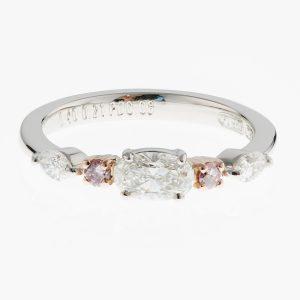 0.4ctオーバルダイヤモンドプラチナリング(0.40ct E VS2 0.21/0.08 GIA)