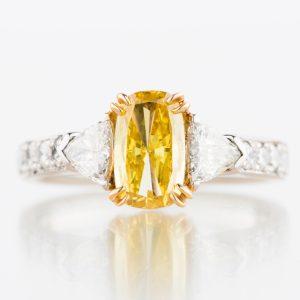 1ct ファンシーヴィヴィッドイエローダイヤモンドリング 1.00ct GIA
